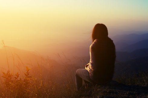 cope-with-breakup-pain-of-broken-heart-heartbreak-recovery-divorce-devistation-breakup-recovery-expert-breakup-advice-get-over-your-ex-e1515621051845